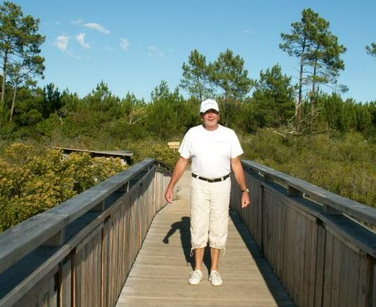 Nouveau pont de bois à lège